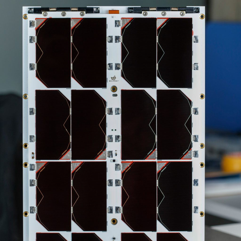 6u-cubesat-deployable-solar-panel-endurosat (6)