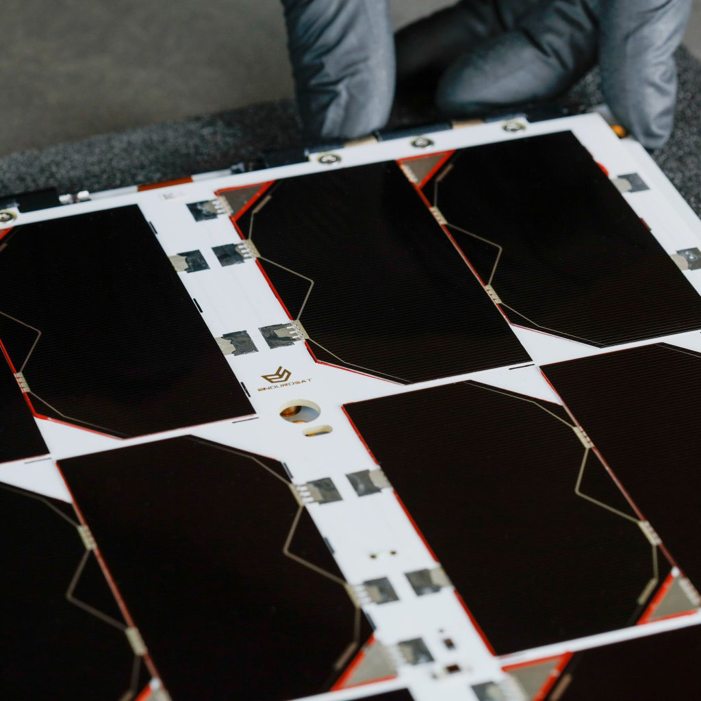 6u-cubesat-deployable-solar-panel-endurosat (7)