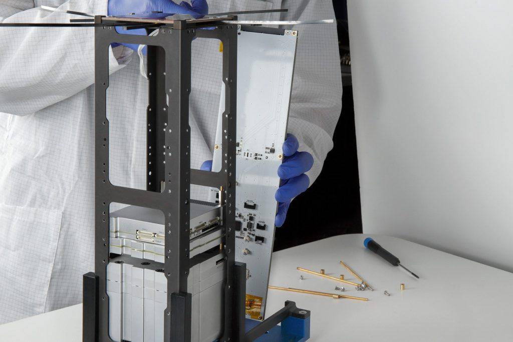3u-cubesat-structure-platform-nanosat-endurosat-02