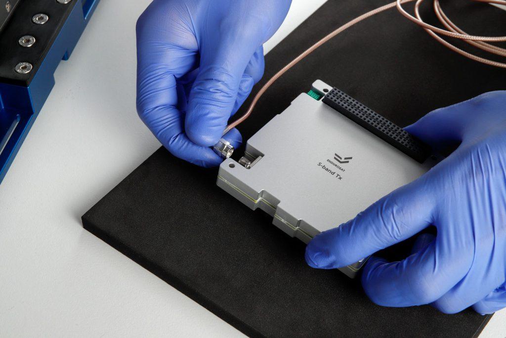 cubesat-x-band-comm-transmitter-images-endurosat-01